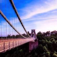 Five Romantic Spots for a Date in Bristol