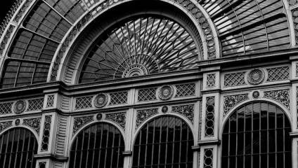 Front archway window of the Royal Opera House
